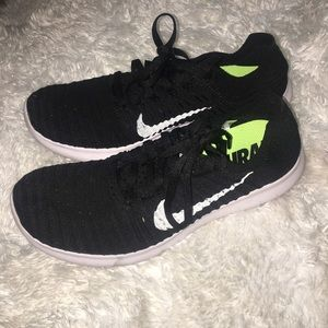 Nike Shoes - Nike Free Flyknit